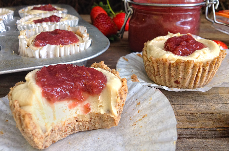 Healthy Strawberry Cheesecake Cupcakes Recipe
